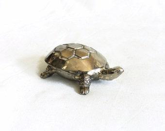 Silver turtle, shell is lid. Vintage metal tortoise figurine, TINY jewelry holder. Terrarium, aquarium decor. Silvertone terrapin animal