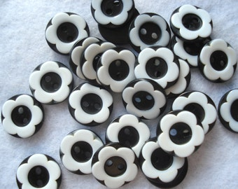 12mm Black And White Flower Buttons, Pack of 25 Black Resin Buttons, A148