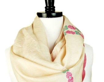 Ivory Silk Infinity Scarf, Floral Loop, White Circle Scarf, Vintage Sari Scarves, Embroidered Scarf, Indian Silk, Neck Warmer, Fall Scarf