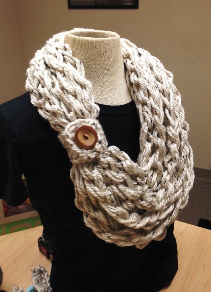 Quick And Easy Knit Scarf Pattern : Quick and Easy Crochet Pattern Hand Crochet Bulky Rope Scarf