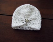 crochet vintage newborn jewel hat in winter white