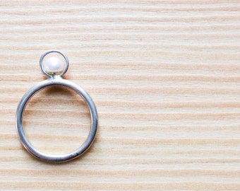 Silver Ring with white pearl