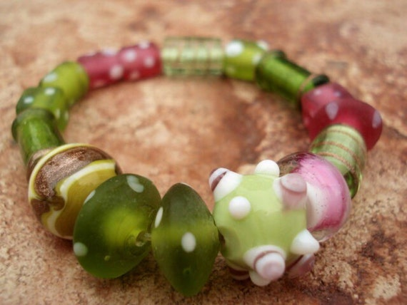 Greenery and Pink Glass Bracelet, Lampwork Bracelet, Women's Glass Beaded Bracelet, Girls Jewelry, Stretch Bracelet