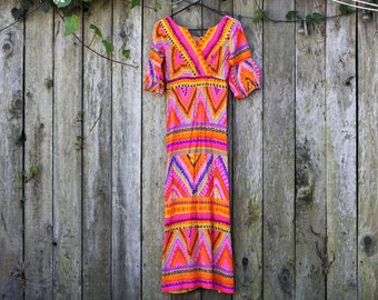Gorgeous and Vibrant 1970's Maxi Dress