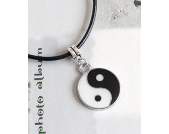 Yin Yang/Ying Yang/Feng Shui Charm Pendant Necklace with Real Black Leather Cord