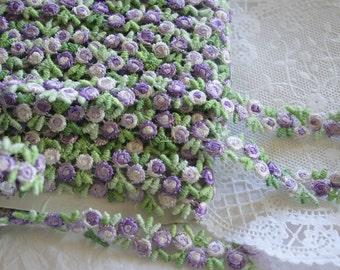 Venise Lace Flower Trim, Petite Lavender Tri-Buds