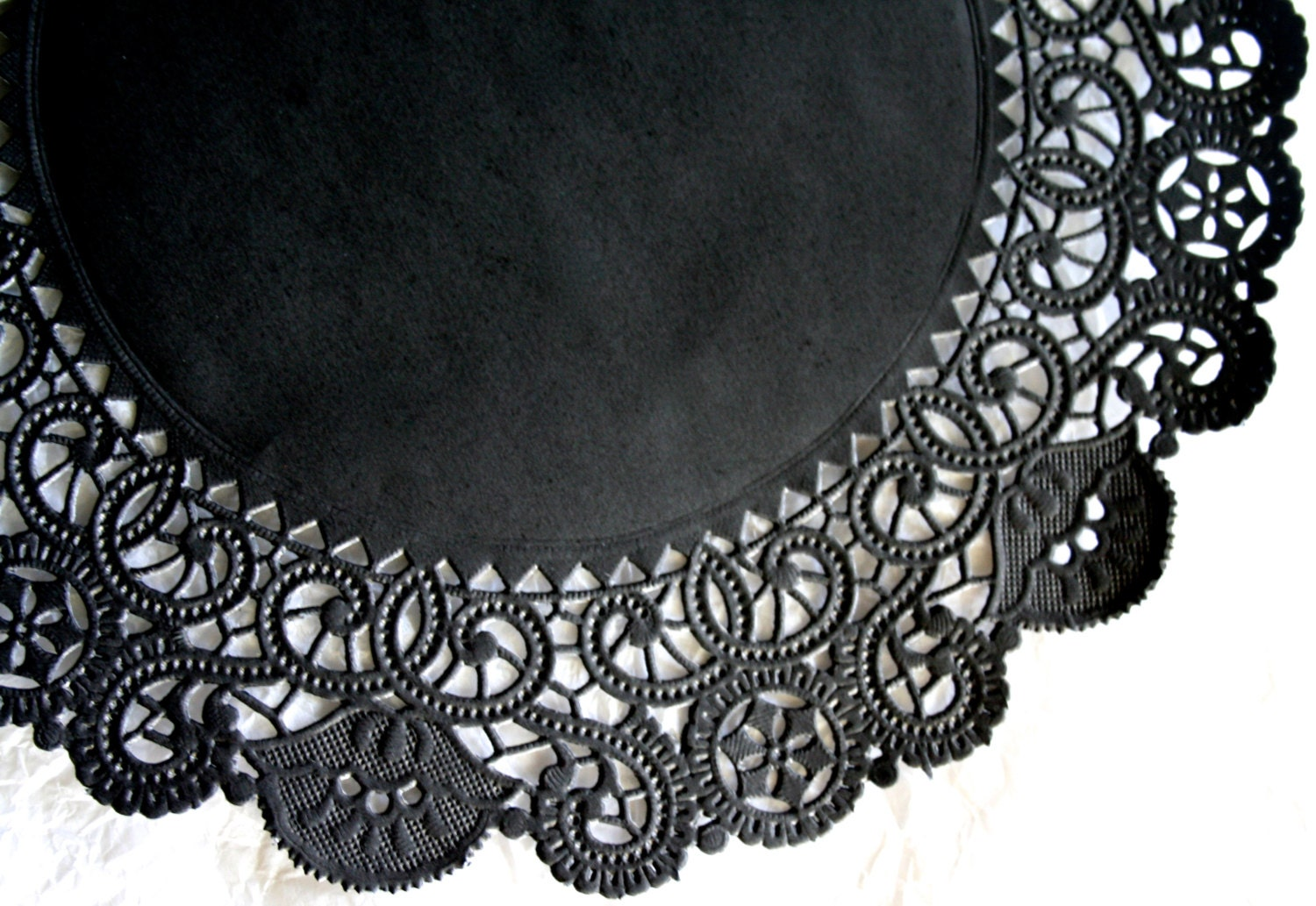black paper doilies Click here click here click here click here click here this amazing site, which includes experienced business for 9.