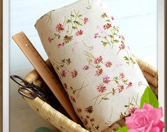 """FREE SHIPPING - F040 Cotton Linen Woven Fabric with Earthy Nature Mori Vintage Simply Beauty Daisy Pattern - 50 cm x 70cm / 19.5"""" X 27.5"""""""