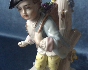 Exceptional beautiful original vintage Dresden porcelain figurine lamp