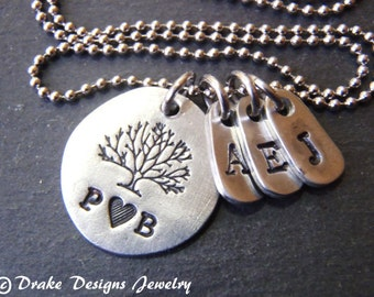 personalized family tree necklace custom hand stamped mothers initial necklace tree of life