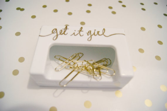 Get It Girl White Magnetic Paper Clip Holder w/ 10 Gold