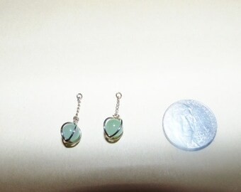 Vintage Green Stone Dangle Earrings w/o Wires