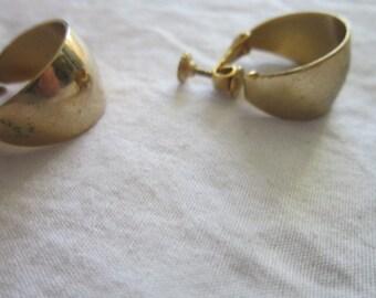 Vintage 1970s Gold Tone Hoop Napier Earrings
