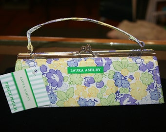 """50% OFF - Laura Ashley Make Up Toiletries Pencil Pouch w/Handle & Ball Snap Closure  8.5""""x3""""x2"""" NEW w/Tags - Use Coupon Code '50OFF'"""