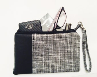 Wristlet - Black and White