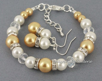 Gold and Ivory Pearl Bracelet, Gold Pearl Bracelet, Bridesmaids Bracelet, Bridesmaids Gift, Bridesmaids Jewelry, Maid of Honor Gift, Wedding