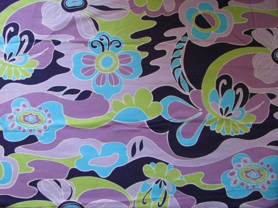 Retro Purple Fabric Retro Purple Fabric Remnant of