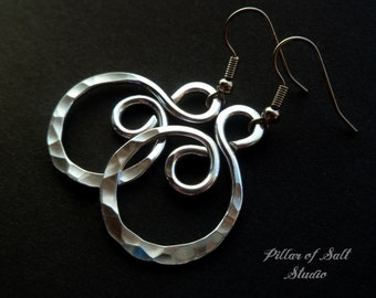 Hammered aluminum earrings / wire wrapped jewelry handmade / aluminum jewelry / silver earrings spiral hoop earrings / 10th anniversary gift