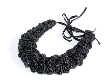 Handmade leather necklace. Black leather bib necklace with rose elements. Rose necklace. Edgy jewelry. Handmade leather. Black necklace.