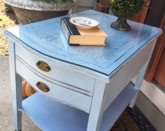 SOLD - Vintage painted Side / Accent Table