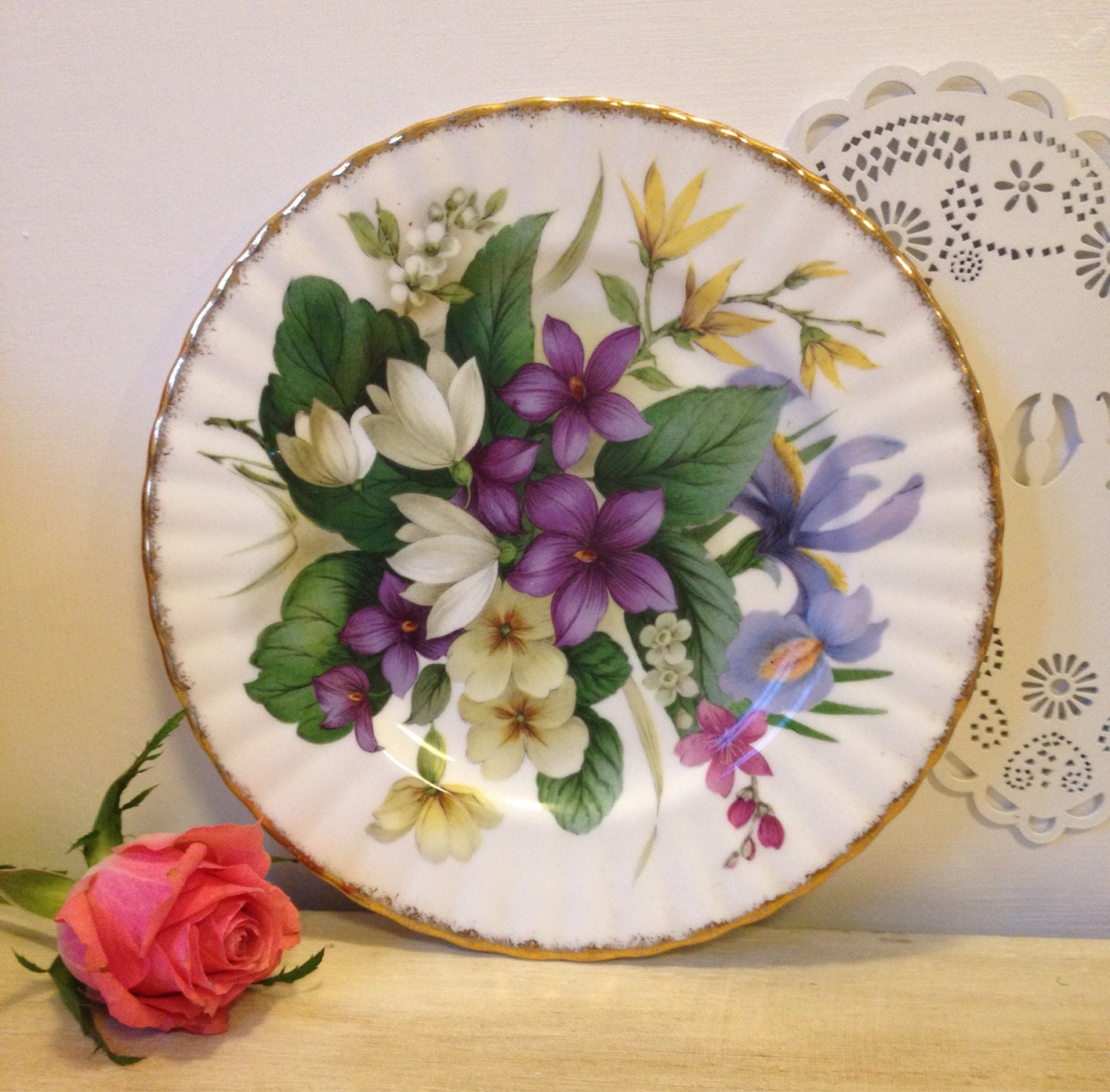 pretty floral cake plate wall plate or cabinet plate english