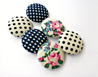 Fabric sewing buttons - Covered buttons - Size 45 28mm - Covered buttons- Blue fabric buttons - Polka dots- Floral vintage buttons