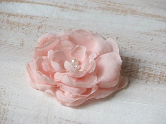 mariage rose cheveux roses pingles cheveux rose p le fleur. Black Bedroom Furniture Sets. Home Design Ideas