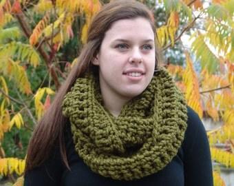 Chunky Crochet Infinity scarf, chunky scarf, chunky cowl, circle scarf