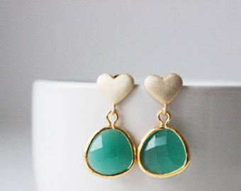Emerald Earrings Gold Heart Post Earrings Kelly Green Earrings Emerald Green Bridesmaid Earring Kelly Green Bridesmaid Emerald Glass Earring