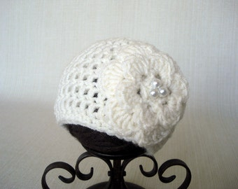 Ivory Crochet Newborn hat Baby girl hat Newborn girl beanie Crochet baby hat Newborn beanie with flower Newborn baby girl Photo prop hat