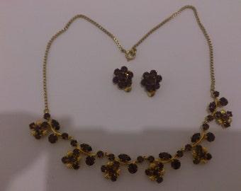 pretty vintage purple rhinestone necklace and earrings set