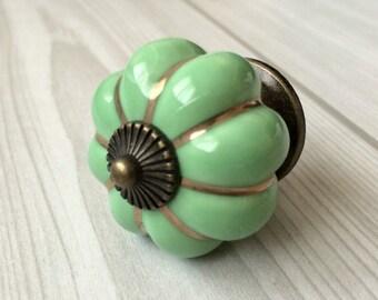 Large drawer knobs shell dresser knob white by lynnshardware for 1950 door knobs