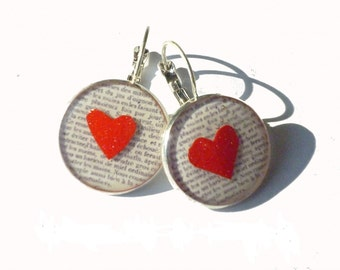 Red heart dangle earrings, heart earrings, heart  jewelry, red, white, newspaper necklace, love jewelry, lovers, Valentin's day
