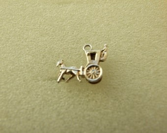 Vintage sterling silver horse and carriage charm  142