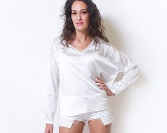 Satin Top, White Shirt, White Top, Womens Blouses, Loose Shirts, Holiday Clothing, Maternity Clothes, Womens Gift, Womens Fashion, Shirts