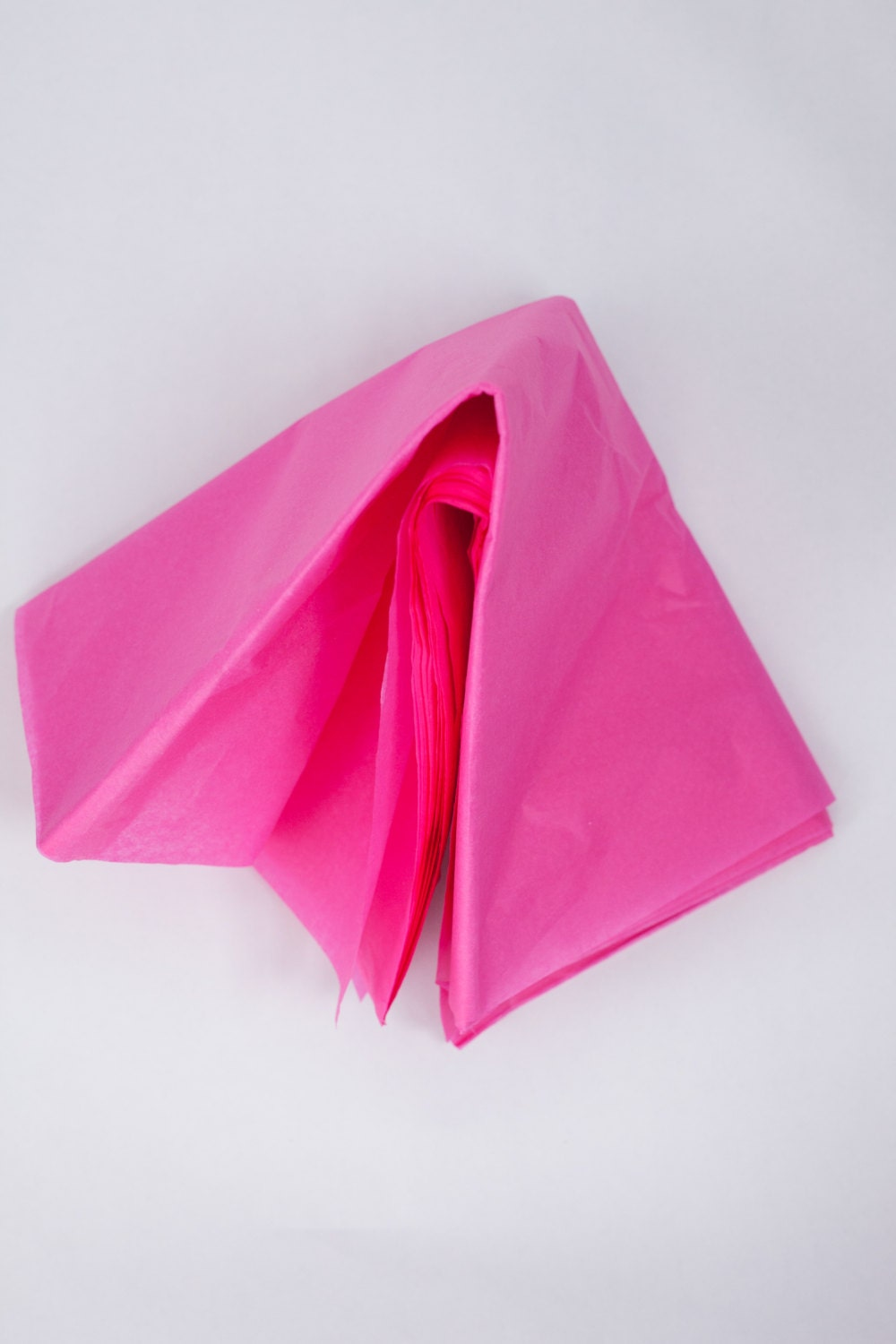 hot pink tissue paper Pink order bulk tissue paper from bags & bows and feel confident you have quality supplies when you need them tissue paper is available in many colors and patterns.