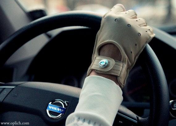 Beige Leather Fingerless Gloves / Lambskin Mittens / Womens