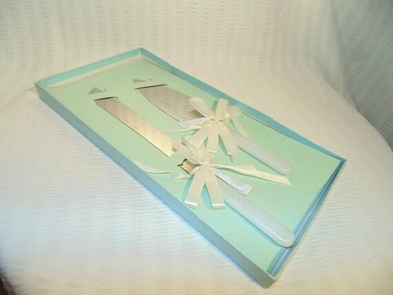 new vintage wedding cake knife and server set by sandiesgiftcorner. Black Bedroom Furniture Sets. Home Design Ideas