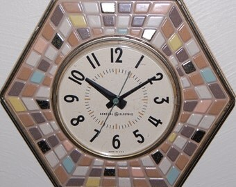 Vintage General Electric Tile Wall Clock ~ Tan Turquoise Yellow Brown Mosaic ~