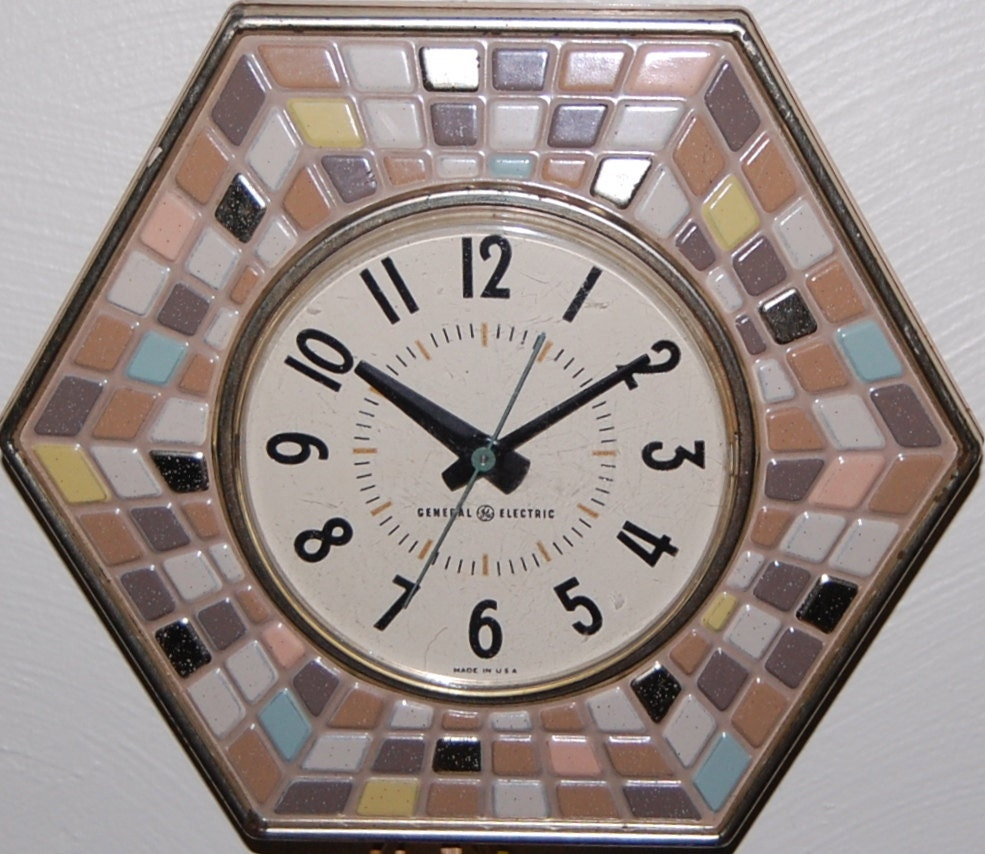 Vintage General Electric Tile Wall Clock Tan Turquoise