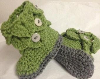 Crocodile Stitch Bootees