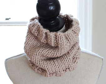 Chunky Knit Cowl // Circle Scarf // Simply Maggie