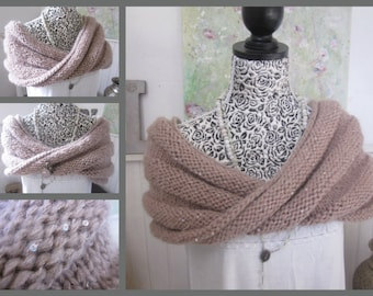 Handknit Moebius Wrap, Handknitted Cowl Scarf, Neck Warmer, Soft pink cream Acrylic, Sequins, Winter Fashion, One Sizee,