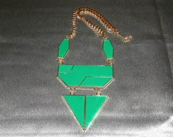 Green Metal Bib Necklace, Green Jewelry, Geometric Jewelry, Womens Jewelry, Womens Necklace, Bib Necklace Statement, Green Necklace