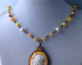 Sailor Venus // Elegant Cameo // Beaded Necklace