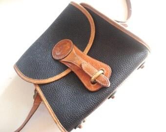 Dooney and Burke Cross Body Purse, Dark Green Vintage Shoulderbag, Vintage Black Leather Pocketbook Classic Square Shape, Vintage Dooney