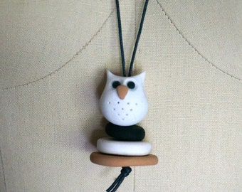 Hand made polymer clay Necklace - Owl