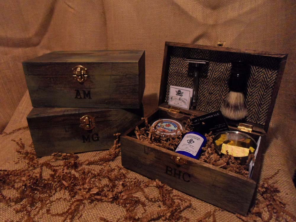 Cool Wedding Gifts For Groomsmen: Unique Groomsmen Gifts Vintage Shave Kits 4 By