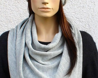 TRIANGLE SCARF, Merino, light gray