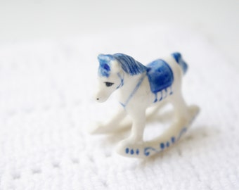Ceramic blue and white horse miniature, horse ornament, porcelain ornament, ceramic animal,ceramic miniature,ceramic toy